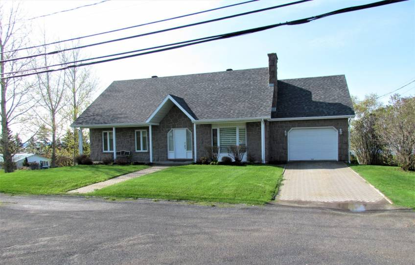 2 - House for sale, La Malbaie (Code - mb329, Charlevoix)
