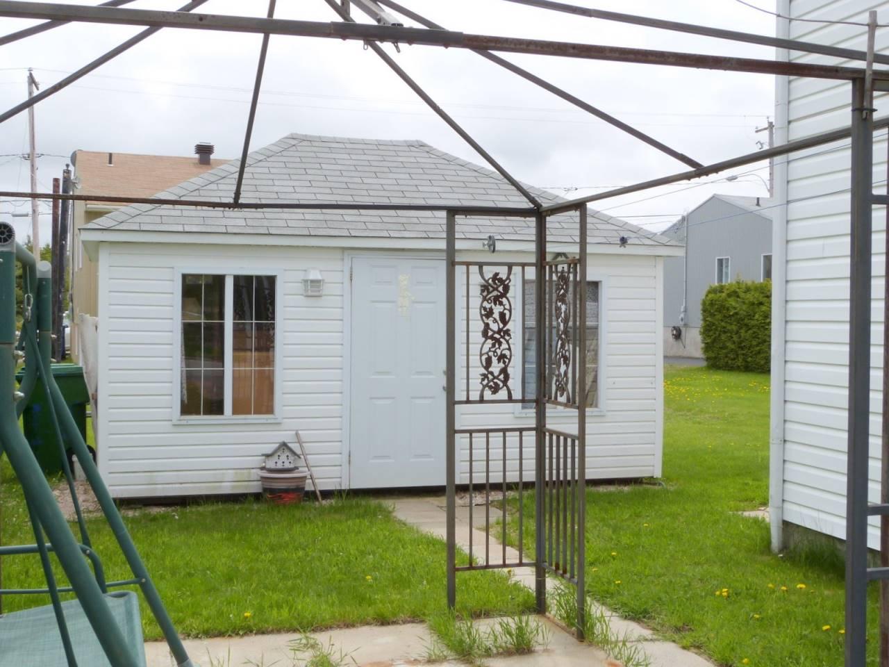 b timent commercial vendre baie saint paul charlevoix. Black Bedroom Furniture Sets. Home Design Ideas